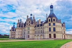 フランスの歴史を遡る|ロワール古城巡り (7日間/6泊)