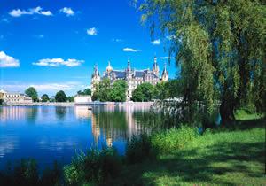 北の白鳥城シュヴェリン城で夏の野外オペラ