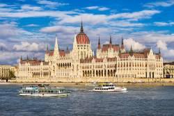 ドナウの真珠と平原が広がるハンガリーの旅
