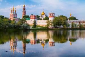 多くの著名人が眠るノヴォデヴィチ修道院