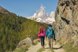 ベストシーズン!スイス ハイキングと氷河特急の旅