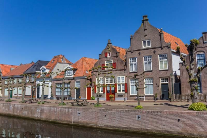 ベルギーやオランダでポピュラーなお酒、ジュネヴァとは?