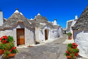 イタリア旅番組情報  世界遺産アルベロベッロのとんがり屋根