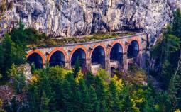 オーストリアの車窓から!セメリンク鉄道と世界遺産ヴァッハウ渓谷をめぐる旅💗8日間~古城ホテル宿泊つき~