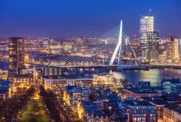 オランダの近代建築と風車を見る 5日間 ~アムステルダム・ロッテルダム・キンデルダイク~