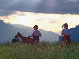 ハイジの故郷アルム村 と スイス温泉地