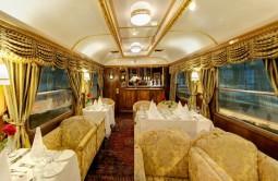 【2018年12月30日出発限定】 ウィーン『皇帝列車』ディナー🌠ドナウ川での年越しカウントダウン🎇4日間 ~5つ星ホテル~