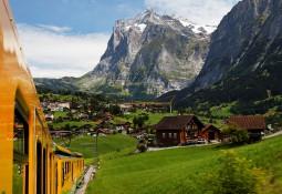 スイス名峰6日間★グリンデルワルトとツェルマットに滞在