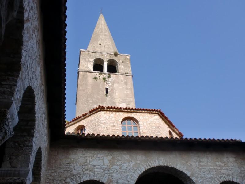 クロアチア西の玄関口・ポレチュからロヴィニへ