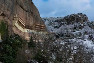 冬のギリシャ旅行 お勧めの目的地1 カラブリタ(カラヴリタ) ♡ハネムーン(新婚旅行)にもお勧め♡