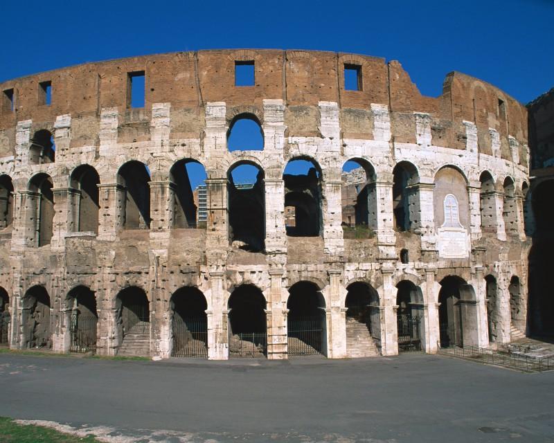 ローマ・フィウミチーノ空港から各都市へのアクセス