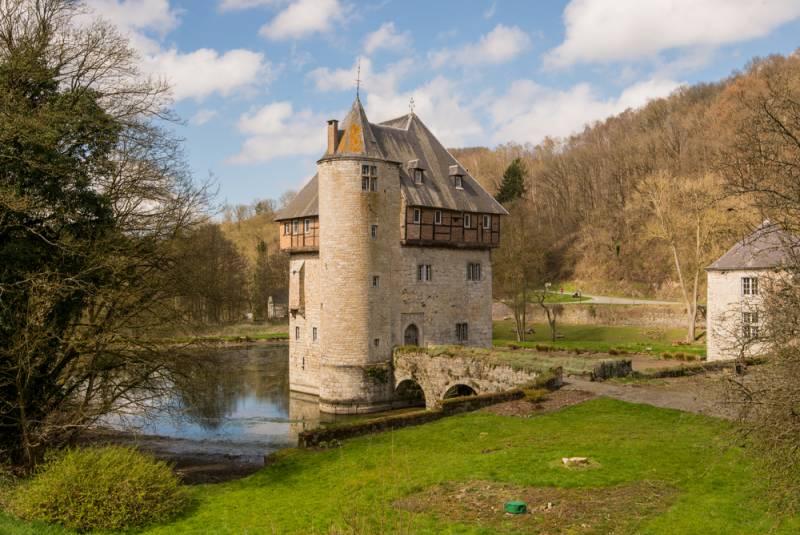 ベルギー・ワロン地方 「最も美しい村」 おすすめ書籍