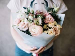 フランス花を贈る文化の人々 -パリジャンのようにフラワーアレンジメントする-