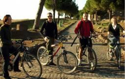 毎日9:15、10:30発 ローママウンテンバイクツアー 4時間または6時間コース 現地ガイド付(電動自転車も追加料金なし!!)