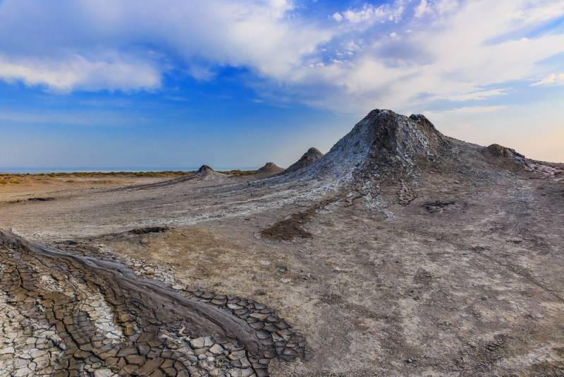 アゼルバイジャンの世界遺産ゴブスタンの岩絵