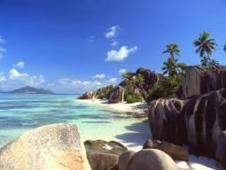 羽田発着☆エミレーツ航空ビジネスクラスで行く!プララン島滞在☆優雅なラッフルズ、プライベートプール付きオーシャンビューに泊まる思いっきり贅沢な6日間★