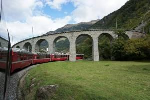 スイスが誇るパノラマ列車 *ベルニナ・エクスプレス*