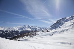 年末年始の旅 イタリアの雪山温泉ボルミオで新年を!ミラノ~ボルミオ~ベニス 7日間(日本人エスコート同行)