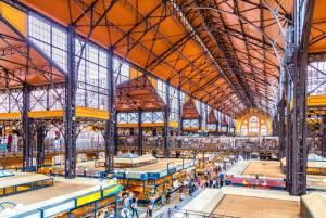 中央市場でハンガリーの食文化に触れる【ハンガリー情報】