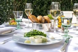 フランスワインツアー|ランス、ブルゴーニュのブドウ畑とパリのパラスホテルに泊まる