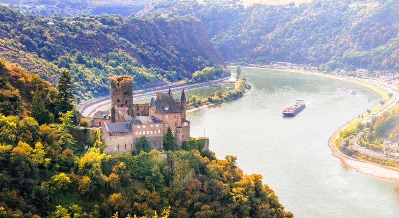 ドイツの古城ホテルに泊まりませんか?
