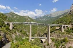 フランスの秘境コルシカ島周遊7日間|コルシカ鉄道+専用車1日