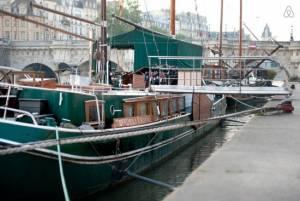 セーヌ川の流れシリーズ - フランスに流行って来たペニッシュの水上生活