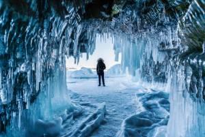 バイカル湖 氷の絶景・アイスハンティングツアー 2019