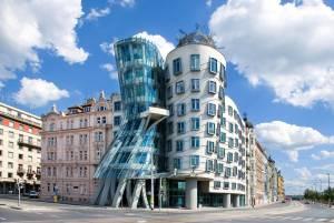 古都プラハの現代建築、ダンシングハウス