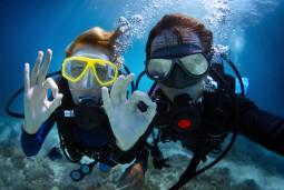 インストラクターとダイビング体験| ニース3泊4日