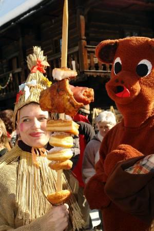 謝肉祭のパレード【チェコ情報】