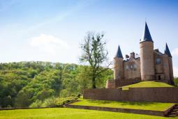 ベルギー77時間の旅! 古都ブルージュと森の古城を訪ねる
