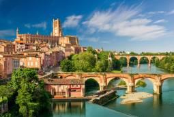 専用車フランスハネムーン(新婚旅行) ☆ドルドーニュ渓谷からカルカッソンヌへ☆ 中世の城壁と美しい村