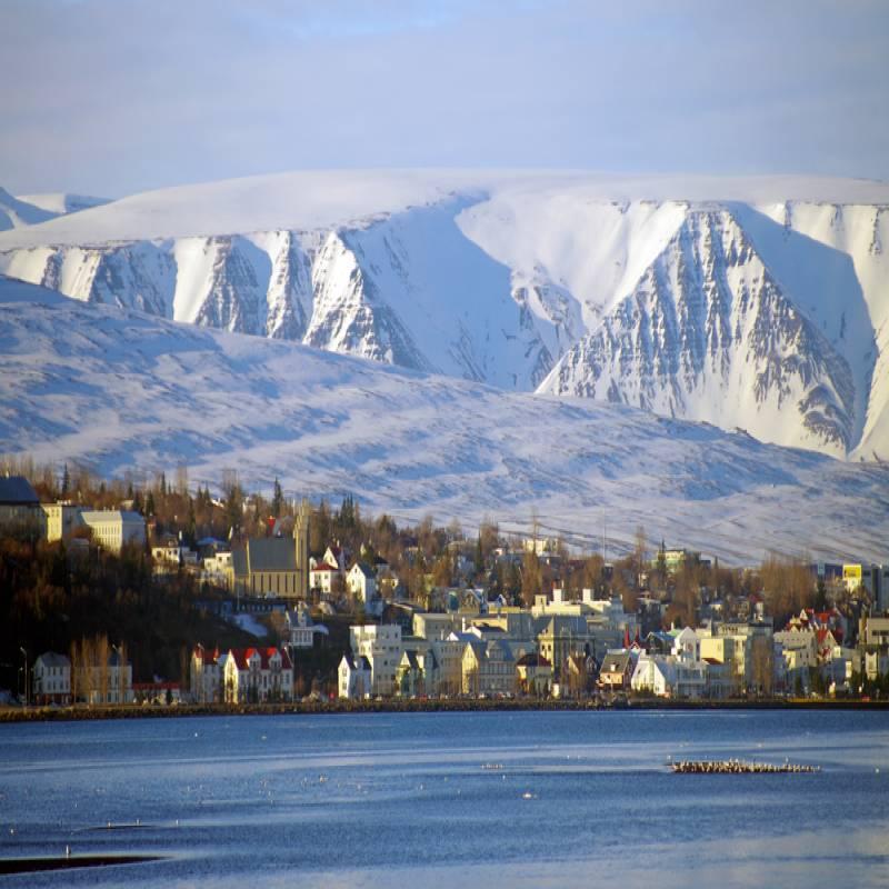 アイスランド東部の自然美に見とれて