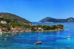 憧れのクルーザーヨットでアイランド・ホッピング クロアチア・ギリシャ・南イタリア
