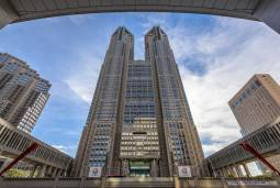 東京の新旧をガイドとめぐる~新宿、明治神宮、原宿、芝増上寺ワンデーツアー