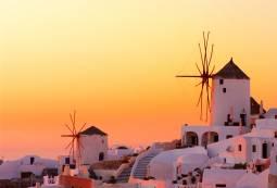 エーゲ海クルーズとサントリーニ島をゆったり満喫 ラグジュアリーホテルでの滞在を楽しむ 6日間