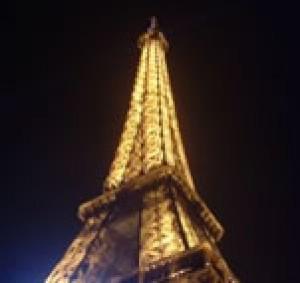 エッフェル塔をみながら新年を迎えました