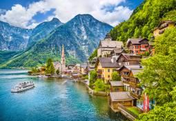 チロル・湖水地方・ヴァッハウ渓谷 魅力ある小さな街
